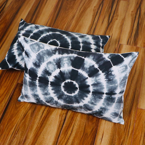 Blackish Pattern Tie Dye Pillow Cover in Pure Cotton Fabric