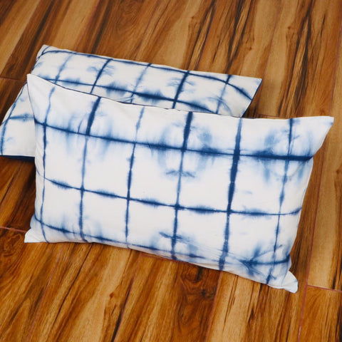 Line Pattern Tie Dye Pillow Cover in Pure Cotton Fabric