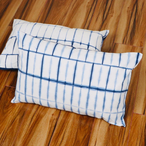 Whitish Line Pattern Tie Dye Pillow Cover in Pure Cotton Fabric