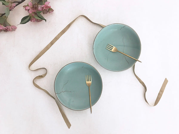 Set of 2 light hued ceramic pasta bowls with kintsugi art print along with 2 handmade brass fork. A modern and minimal design multipurpose bowls.