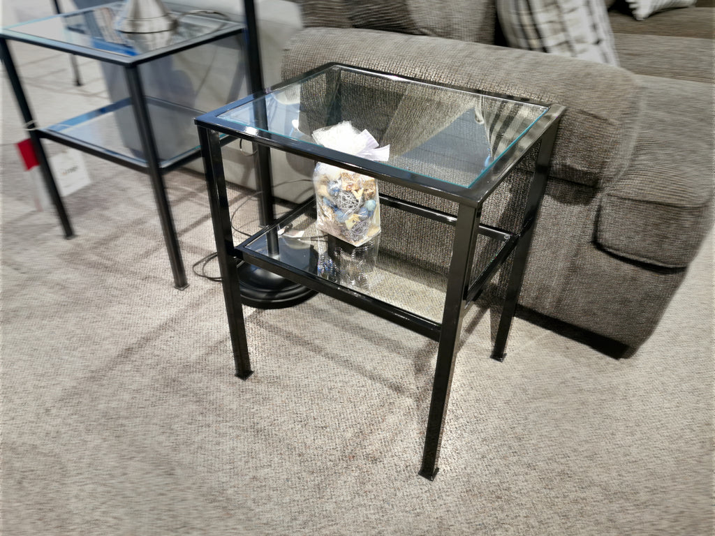 20712 Vintage End Table - Gloss Black