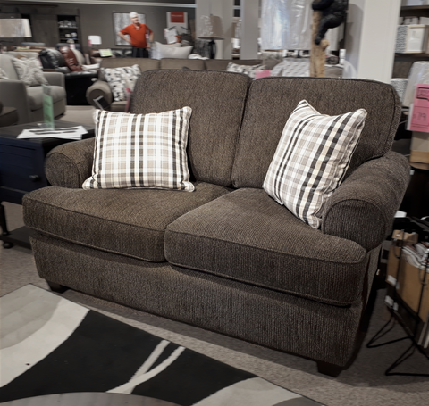 2285 Loveseat