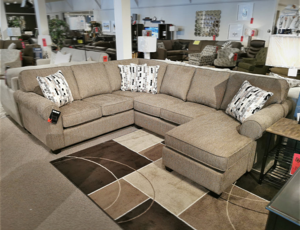 2582 / 2587 Chaise Sectional