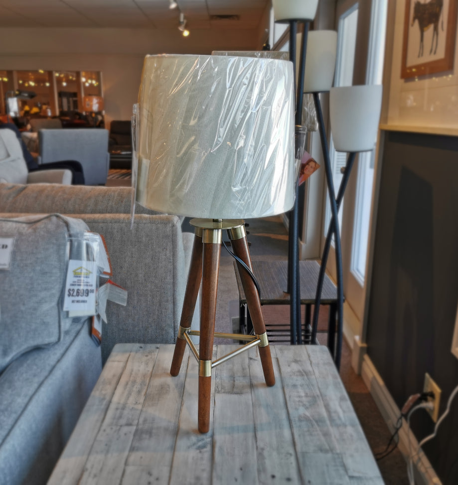 LL1371 Taylor Tripod Table Lamp