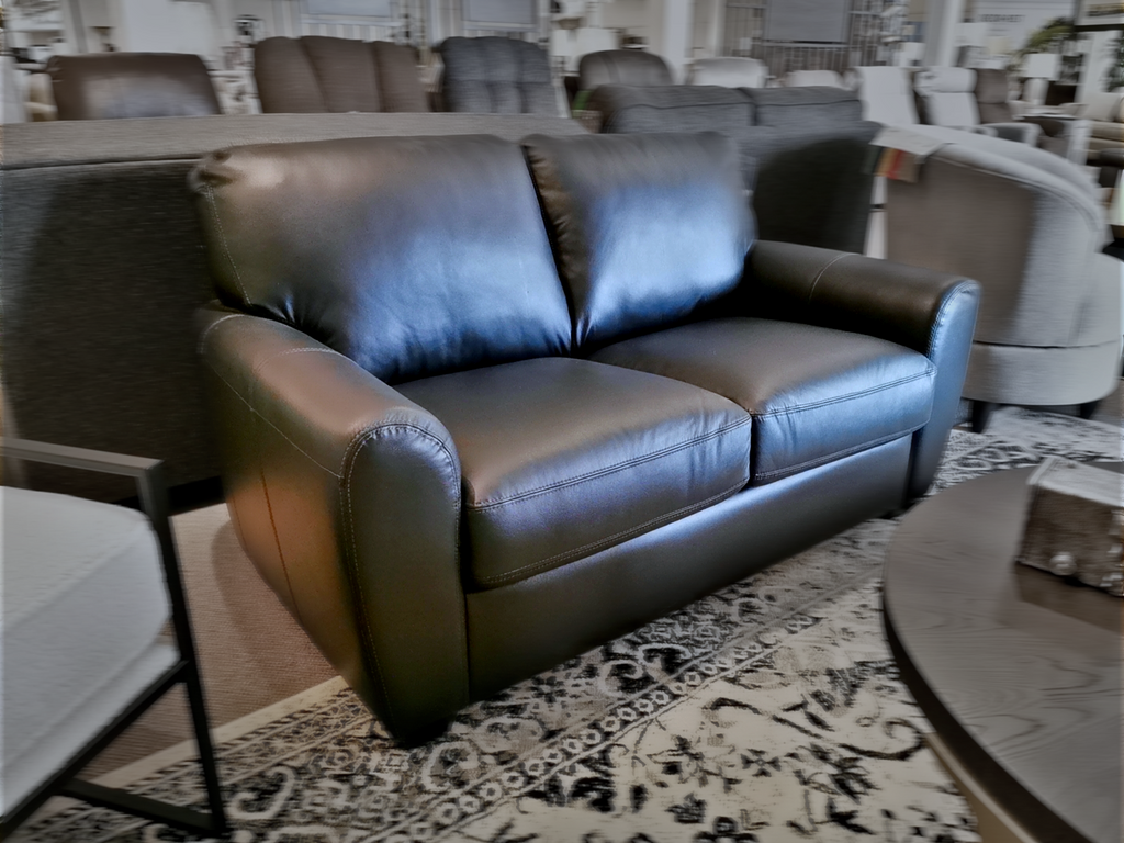77881 Connecticut Loveseat