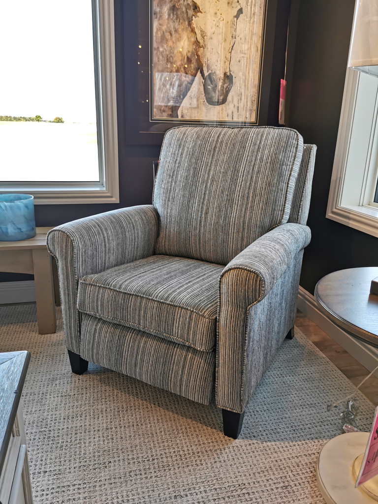 81R Reclining Chair