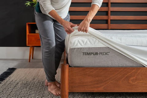 Tempur-Protect - Mattress Protector and 2 Pillow Covers
