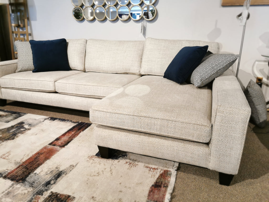 4780 Sectional with Chaise