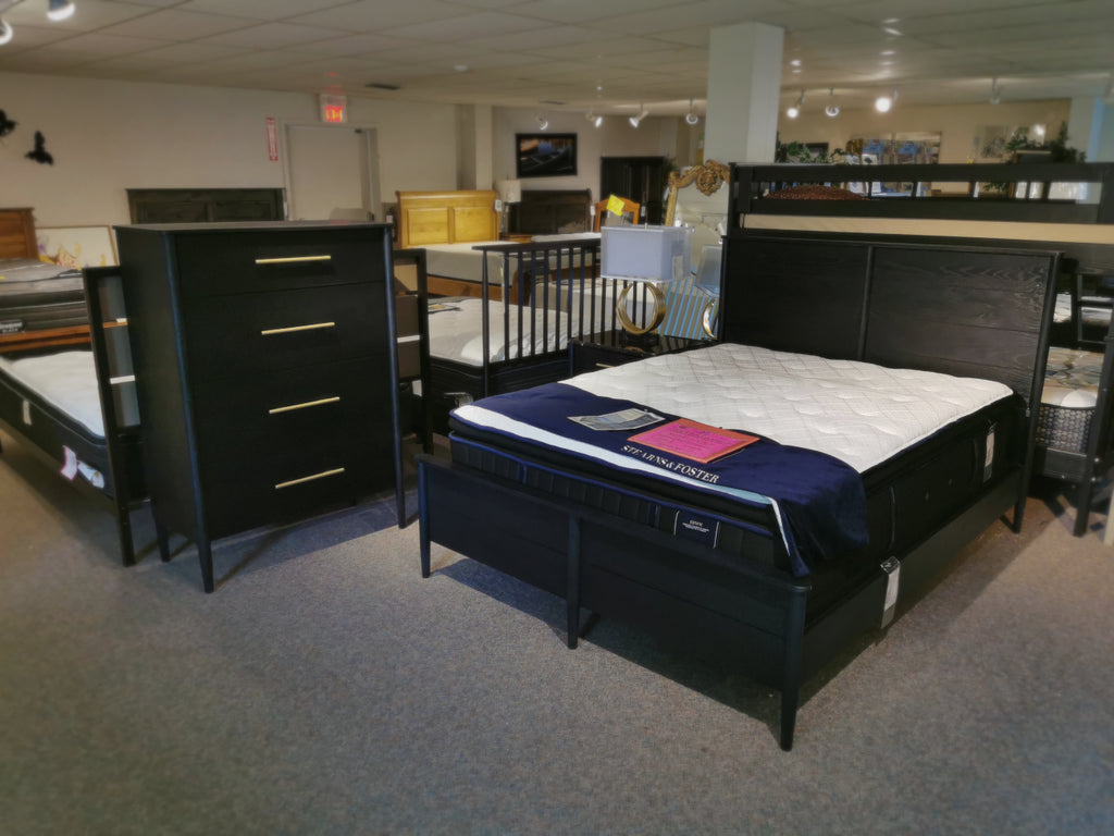 705250 Langley Queen Bed