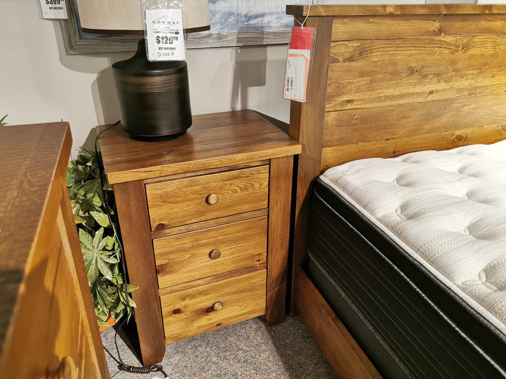 850 Roughsawn 3-Drawer Night Table