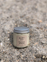 Load image into Gallery viewer, Natural deodorant with organic ingredients