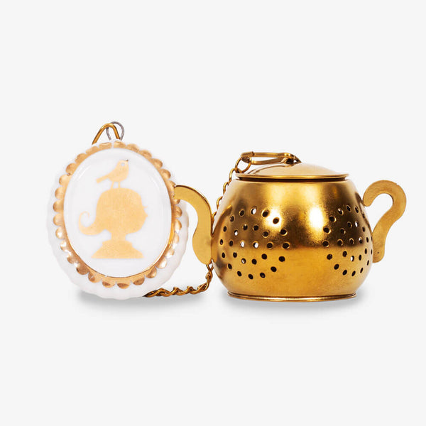 Pip Studio Royal White Collection Medallion Tea Infuser - Front of infuser