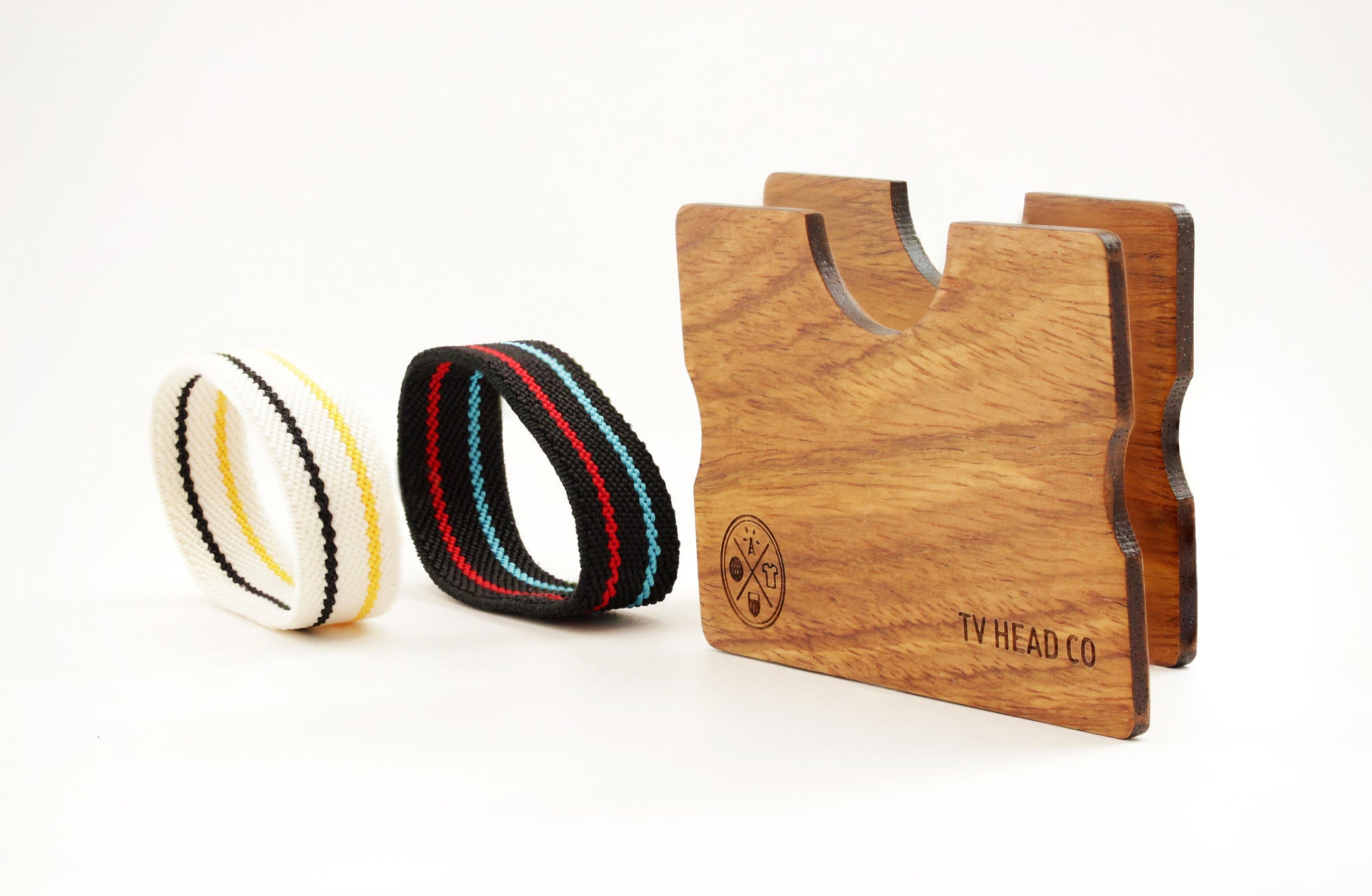 Wooden wallet made with Kosso Wood elastic bands