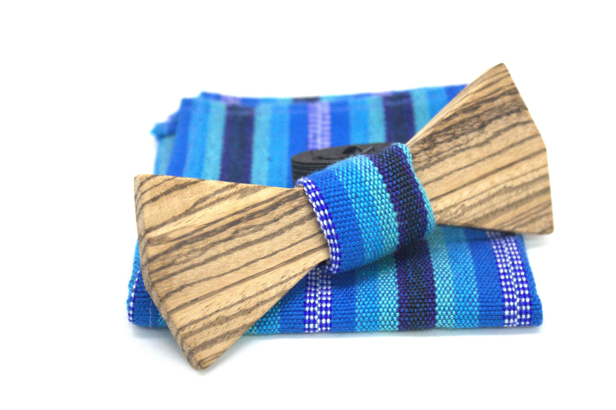 The Xaman Roots Wooden Bow-Tie