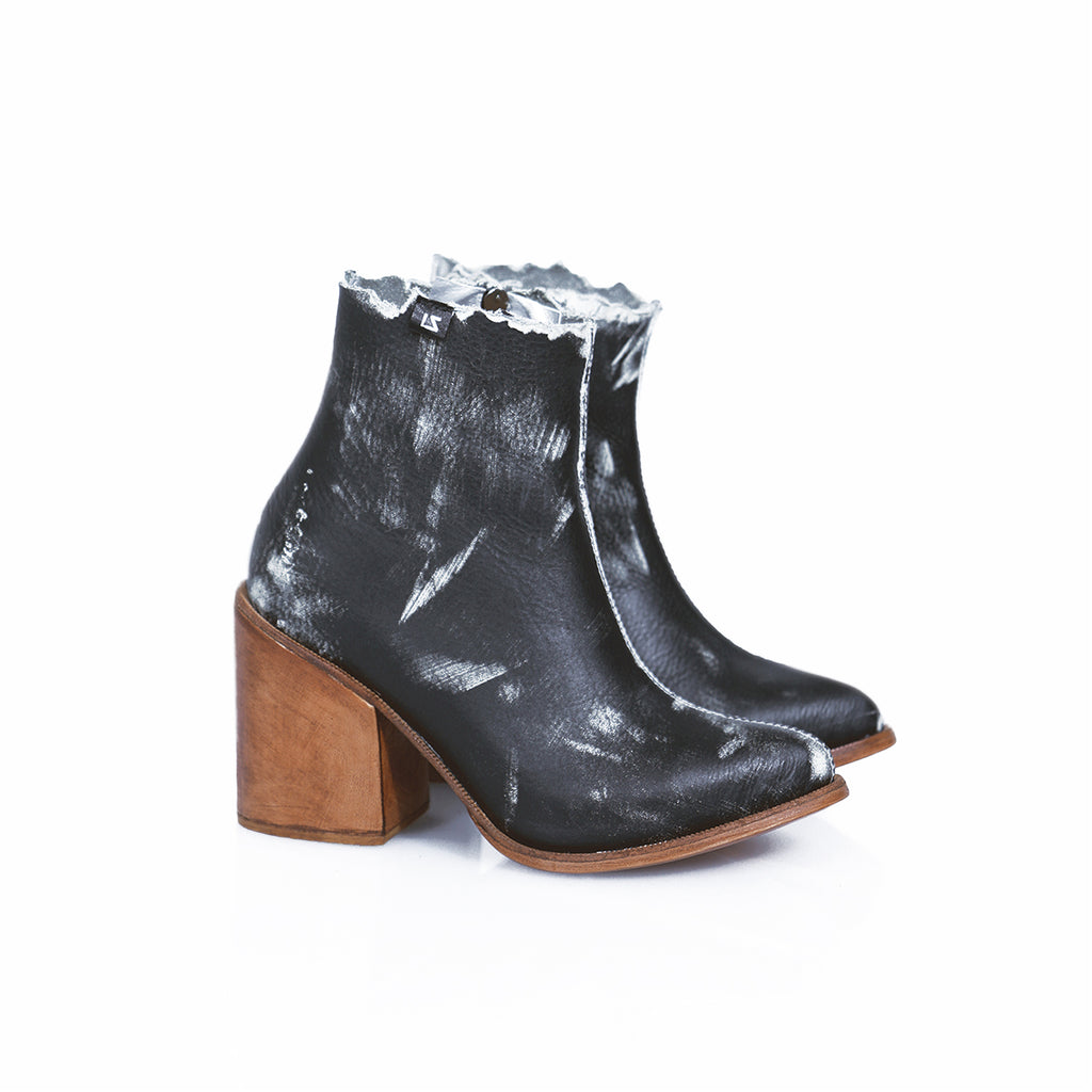 FORMULA BOOTS (The dark ones) (6128702914727)