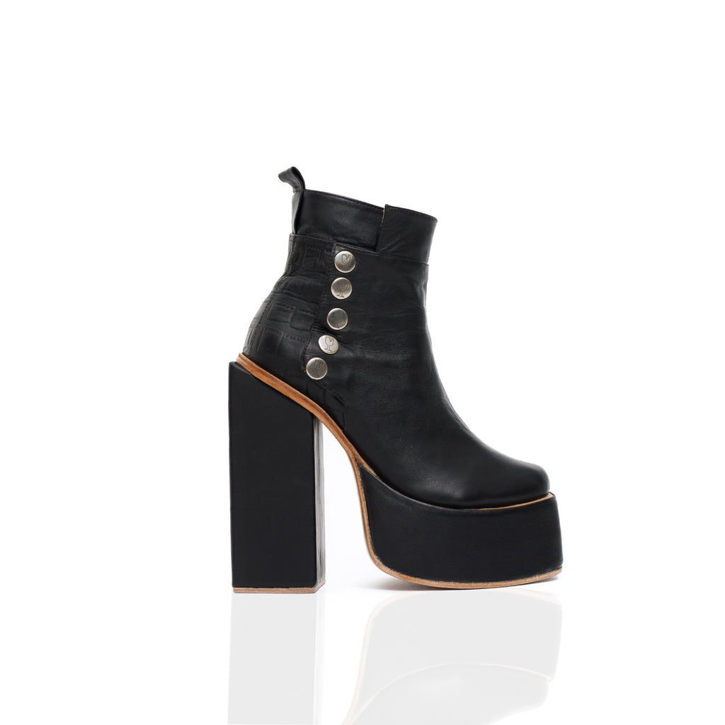 CLASH BOOTS (6128703013031)