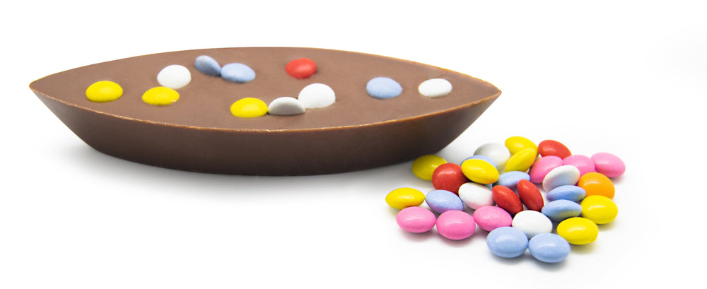 Luxury Milk Chocolate with Chocolate Beans Boat