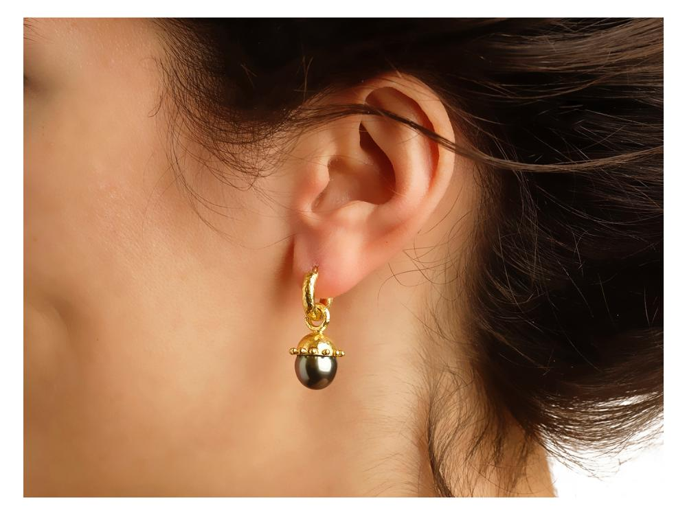 Elizabeth Locke Black Pearl Granulated Cap Earring Charms