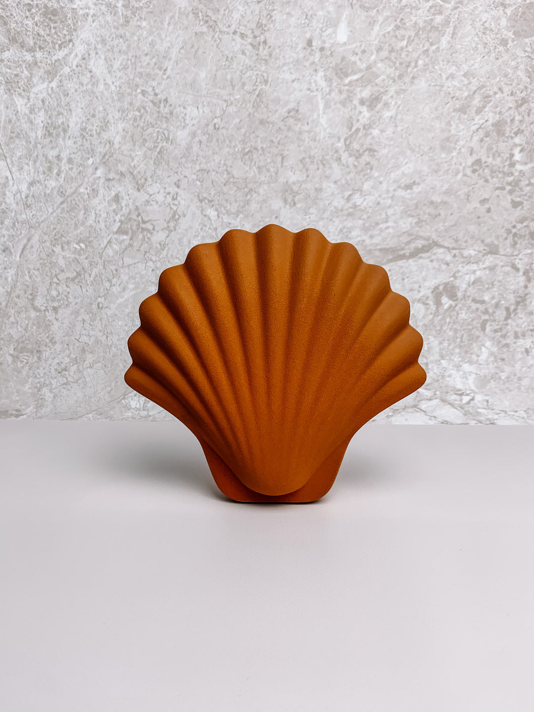 Shell Vase  By Los Objetos Decorativos - Amber