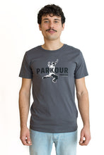 "Lade das Bild in den Galerie-Viewer, T-Shirt ""Parkour"""