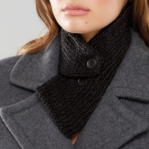 Rib Tuck Collar in black, close up