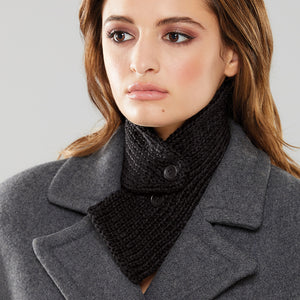 Rib Tuck Collar in black