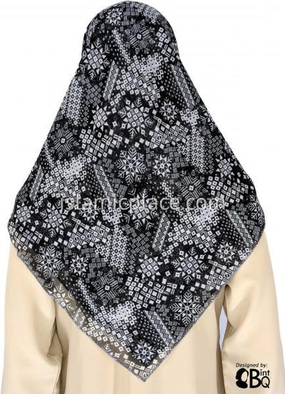 "Black and White Snowflakes Design - 45"" Square Printed Khimar"
