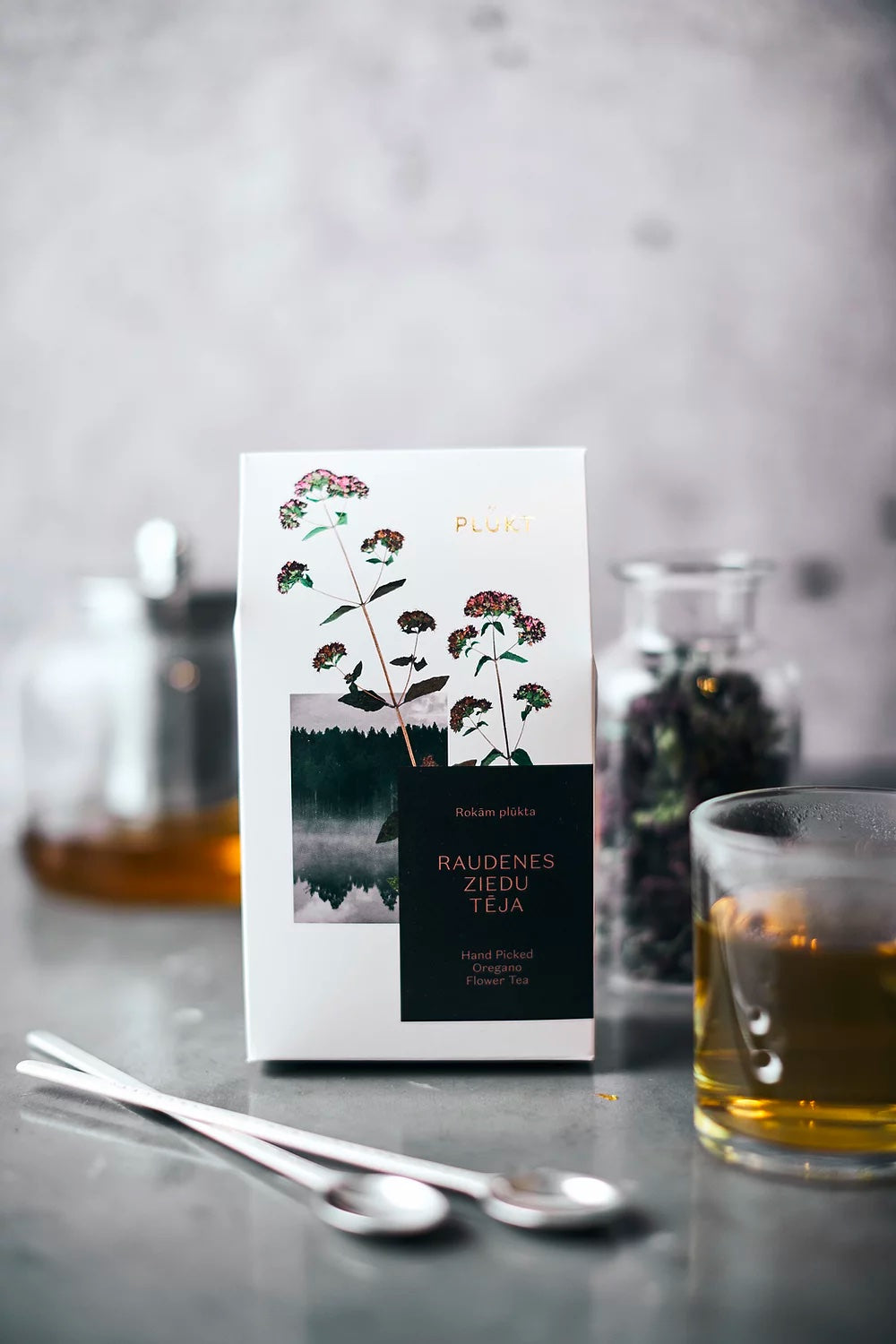 Oregano flower tea