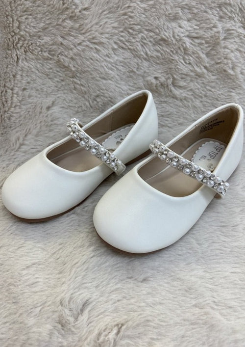 Girls MaryJane Shoe with Pearl Strap