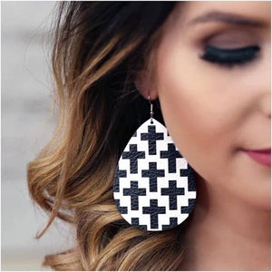 Black & White Cross Teardrops earrings