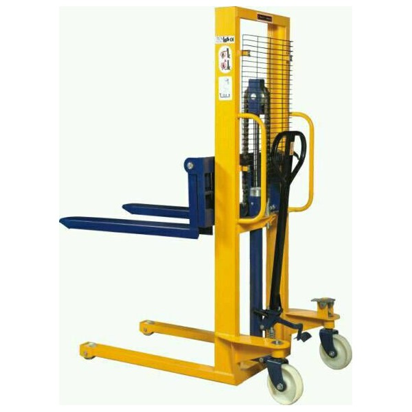 1 TONNE 3 METRE LIFT MANUAL STACKER