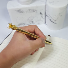 将图片加载到图库查看器,Gold Pineapple 0.7mm Black Ballpoint Pen