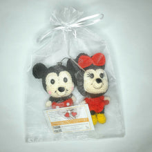 将图片加载到图库查看器,Hand Crocheted Mickey and Minnie Couple Key Ring