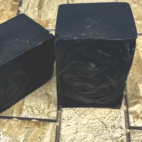 Charcoal Soap - Lemonbalm infused with Lavender essential oils