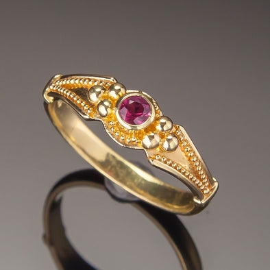 Ruby Classical Ring