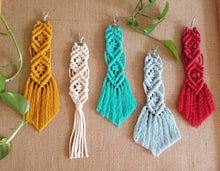 Load image into Gallery viewer, Large Macrame Handmade Key chains