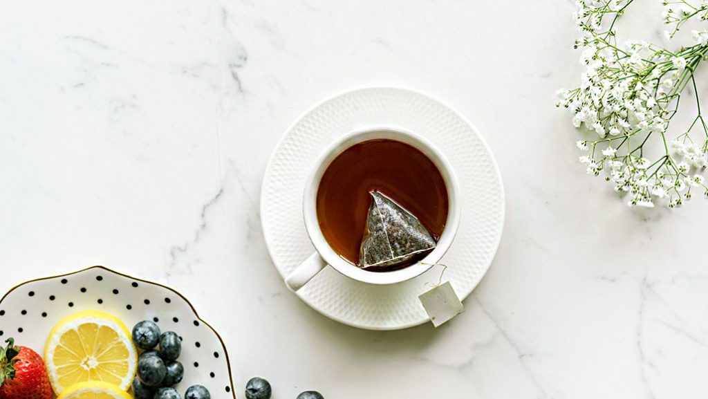 5 Teas to Combat Cold Weather