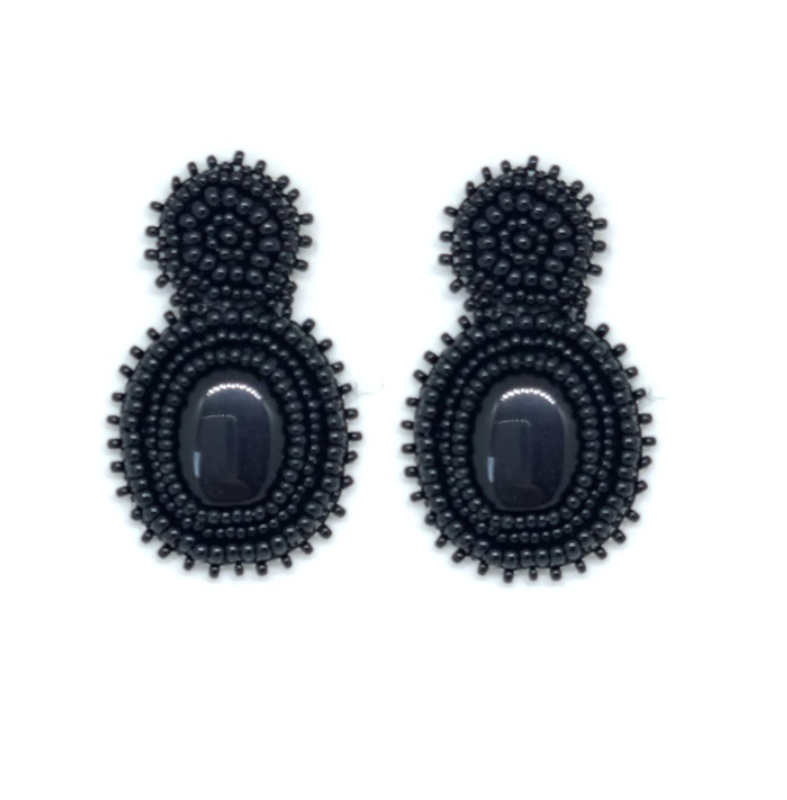 Paulie Pocket - Black Beads statement