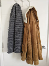 Load image into Gallery viewer, Unisex Merino Wool Chunky Scarf