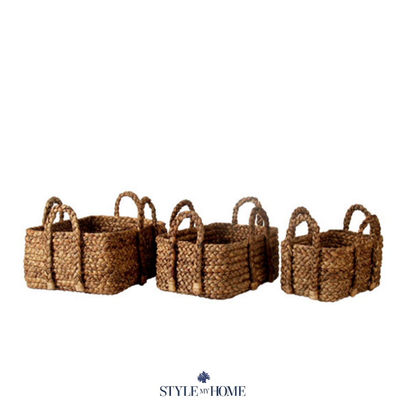 Three baskets in different sizes (small, medium and large) in a recycled natural finish with handles