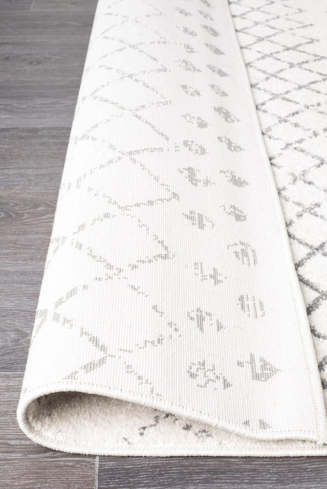 Oasis Selma White Grey Tribal Rug