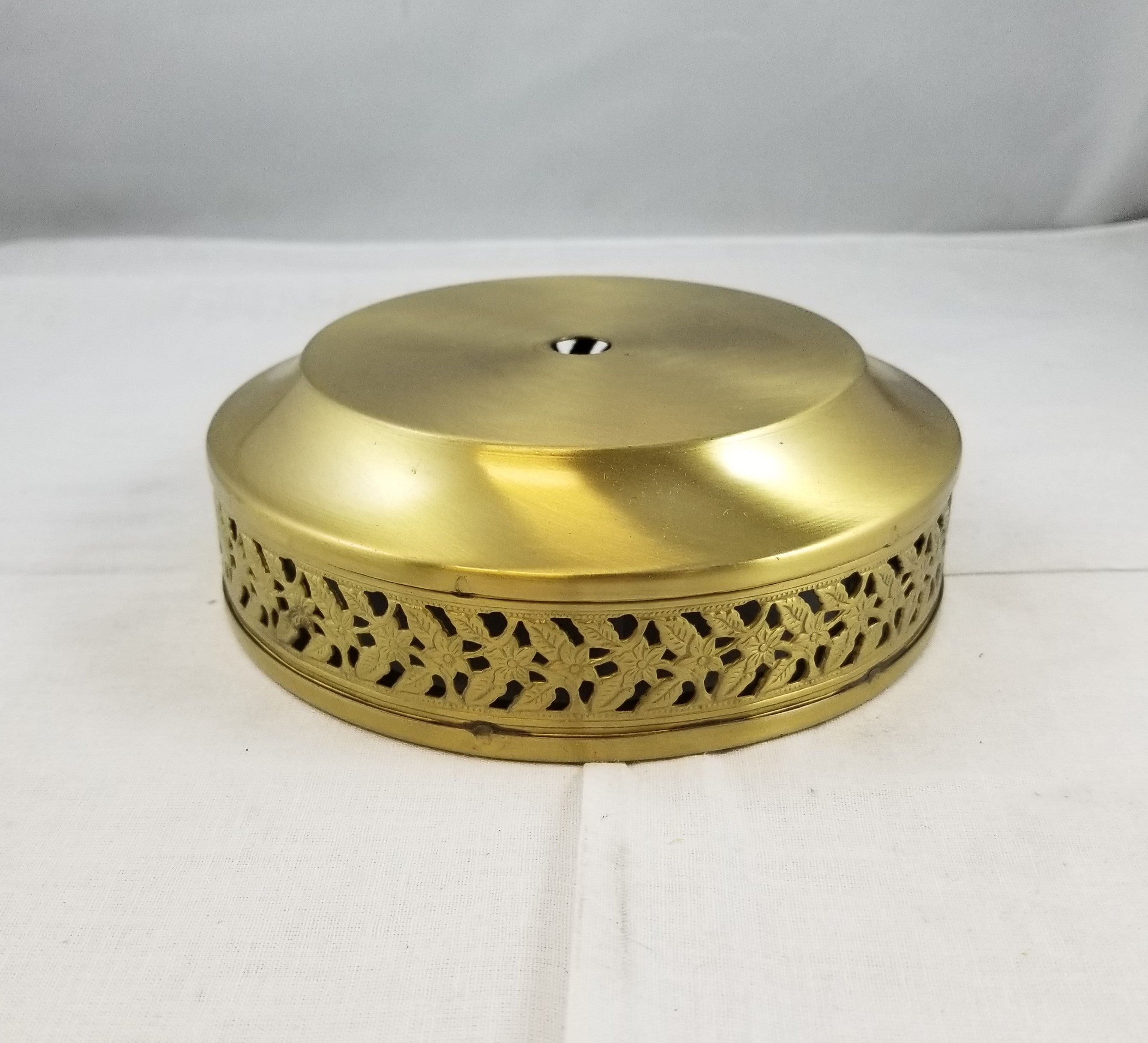 "4-1/8""top - 1-3/4""ht.- Brass Plated Steel"