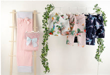 Load image into Gallery viewer, Girls Pyjamas + Towel Set Flying Fish Black