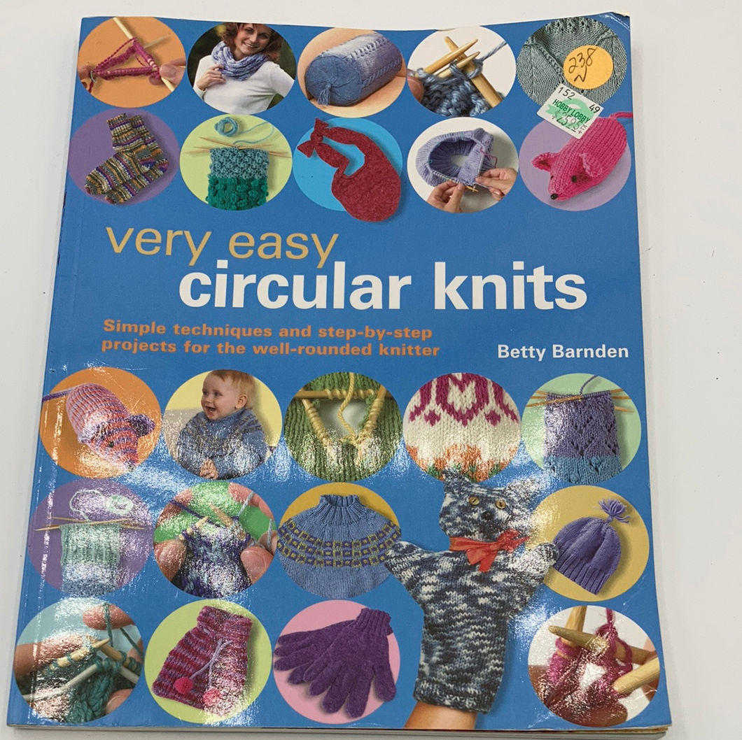 Very Easy Circular Knits Book