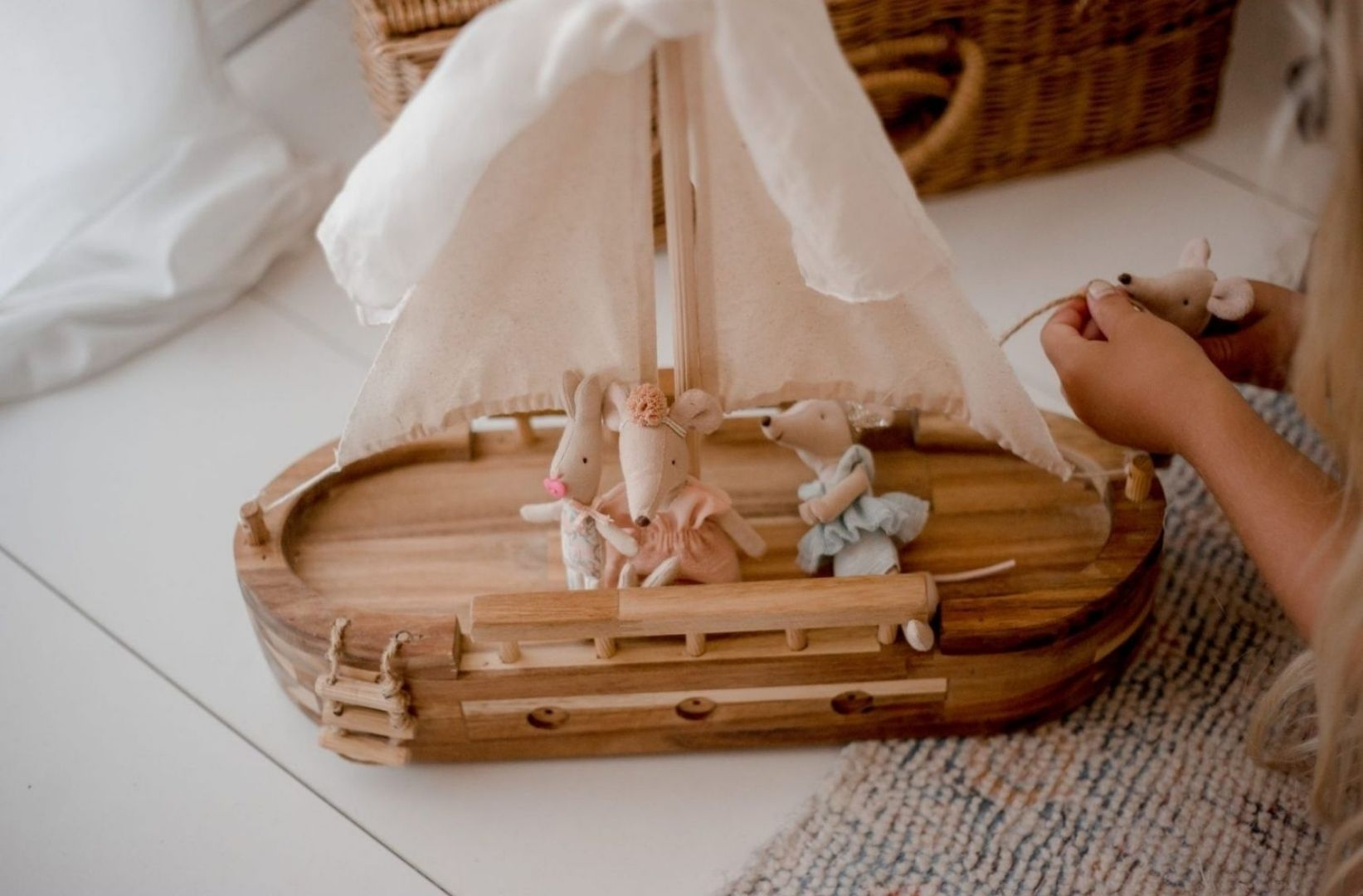Non toxic wooden ship toy with soft toys aboard