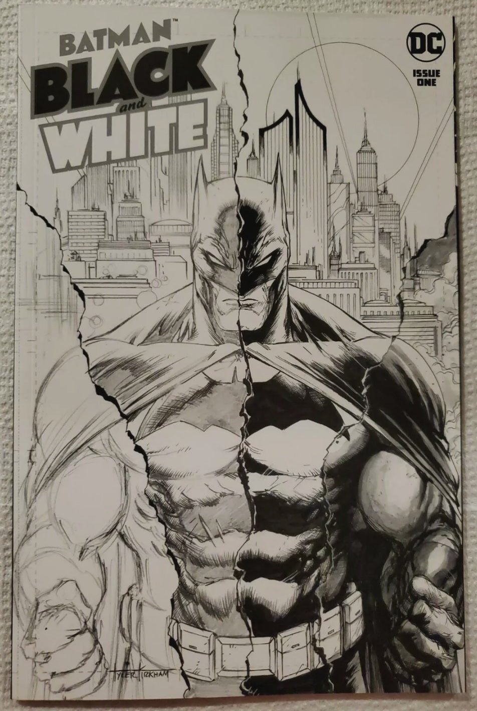 🦇🔥 BATMAN BLACK AND WHITE 1 TYLER KIRKHAM RARE