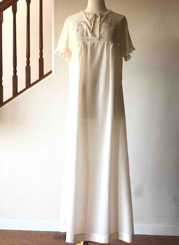 Bert Yelin for Iris Ivory Embroidered Lace Trimmed Night Gown