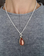 Load image into Gallery viewer, Sunstone pendant, in 18k gold, Sterling silver