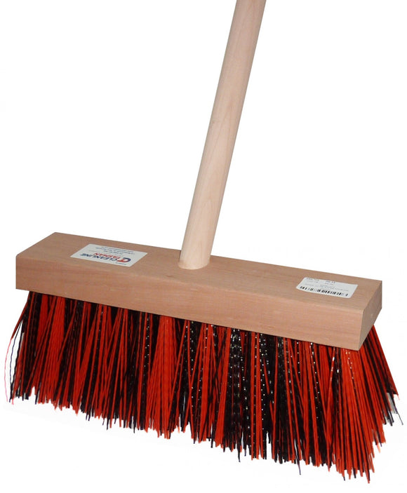 YARD BRUSH C/W HANDLE