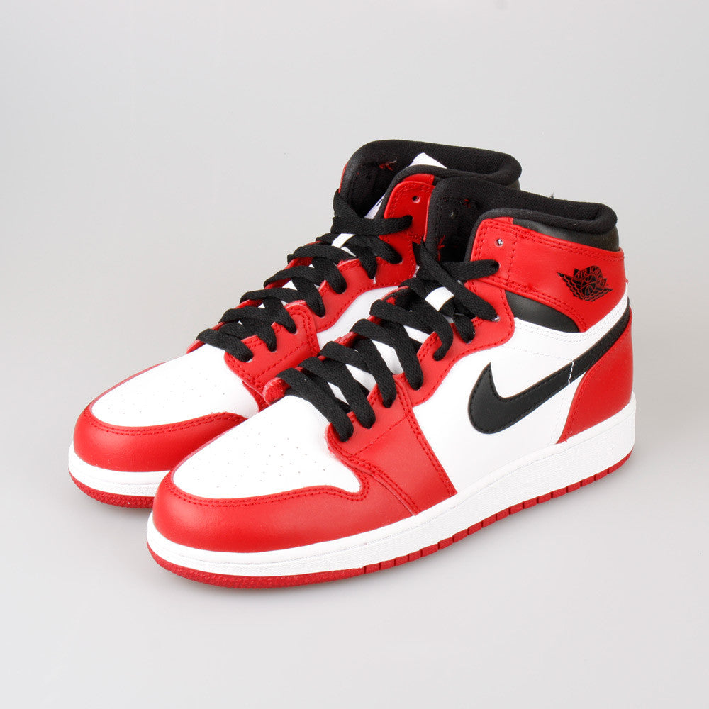 ... Nike Air Jordan 1 Retro High OG (GS) Chicago Bulls (332558-163 ... 4b4beea91